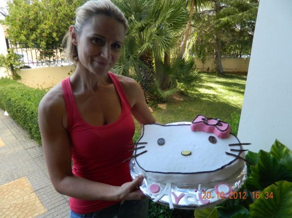 gateau-anniversaire-hello-kitty-13