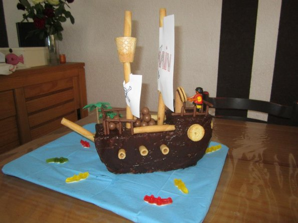 Bateau-pirate-chocolat-playmobile