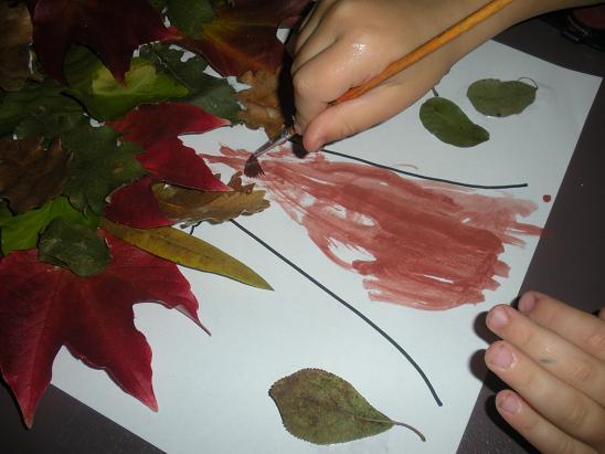 faire un arbre automne avec des feuillers d 39 arbre mortes. Black Bedroom Furniture Sets. Home Design Ideas