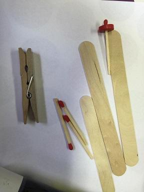 comment faire un avion avec une pingle linge en bois. Black Bedroom Furniture Sets. Home Design Ideas
